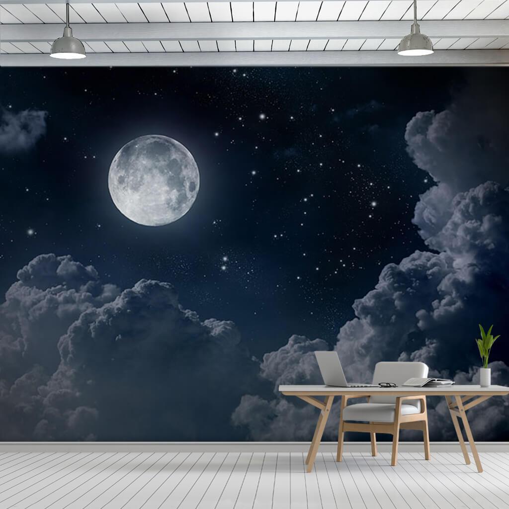 Bulutlu gecede yıldızlar ve dolunay duvar kağıdı