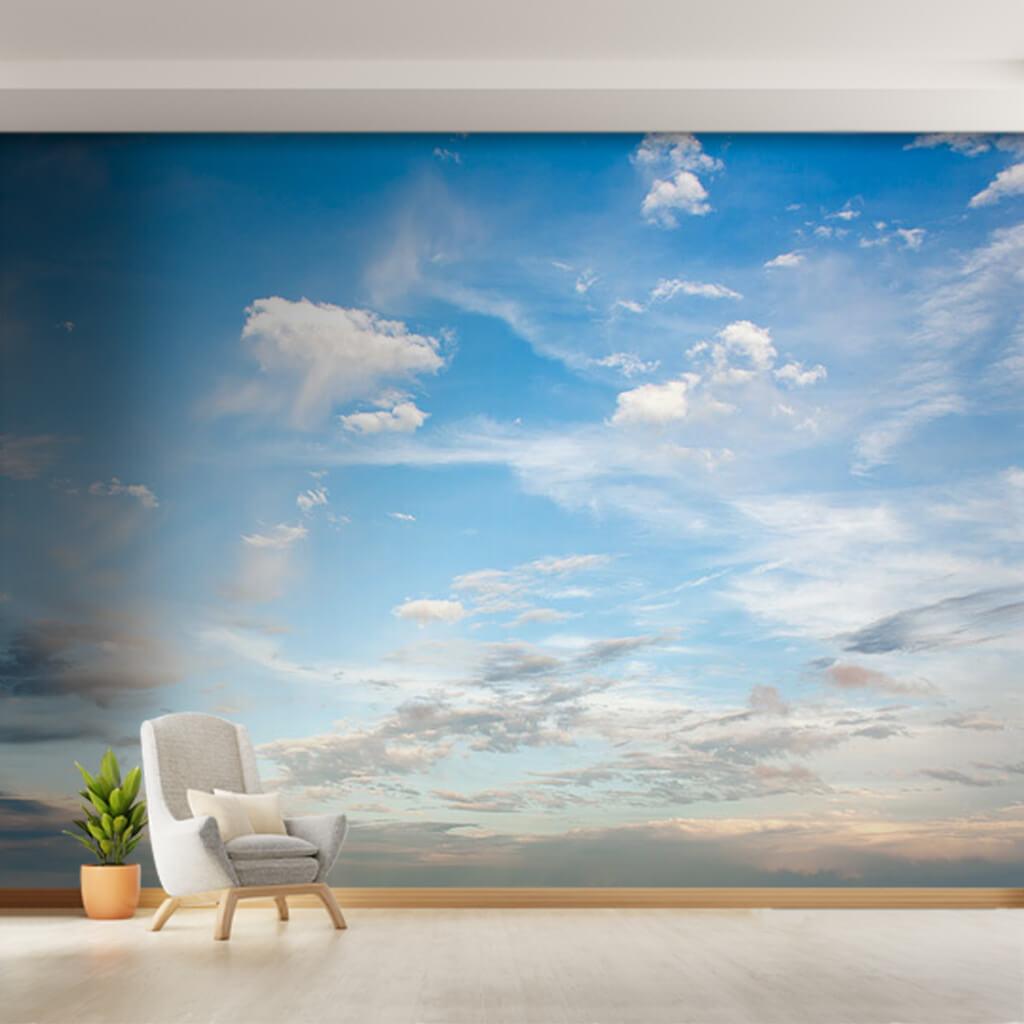 Mavi gökyüzünde beyaz bulutlar ve uzak ufuklar duvar kağıdı