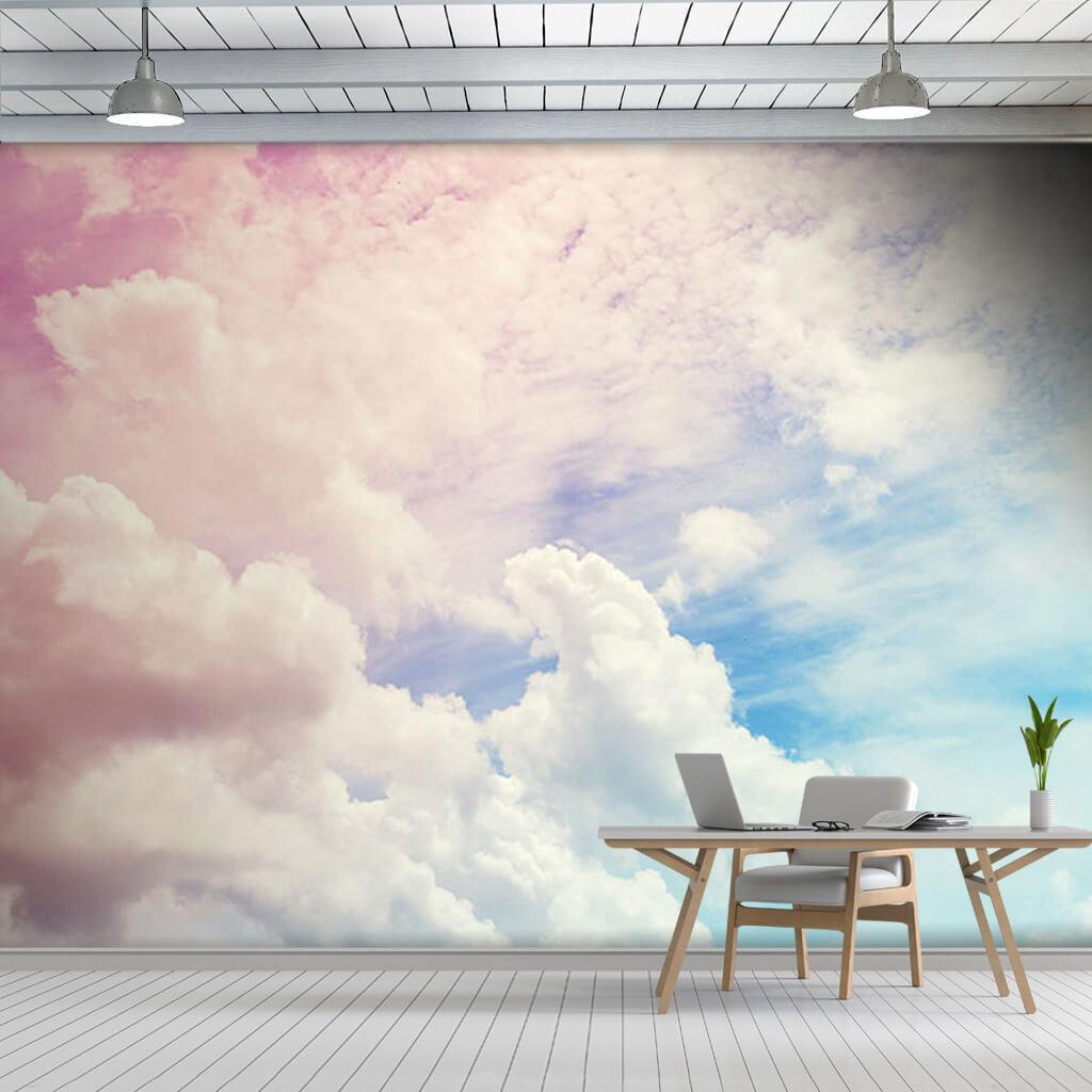 Rüzgarlı mavi gökyüzünde pembe beyaz bulutlar duvar kağıdı