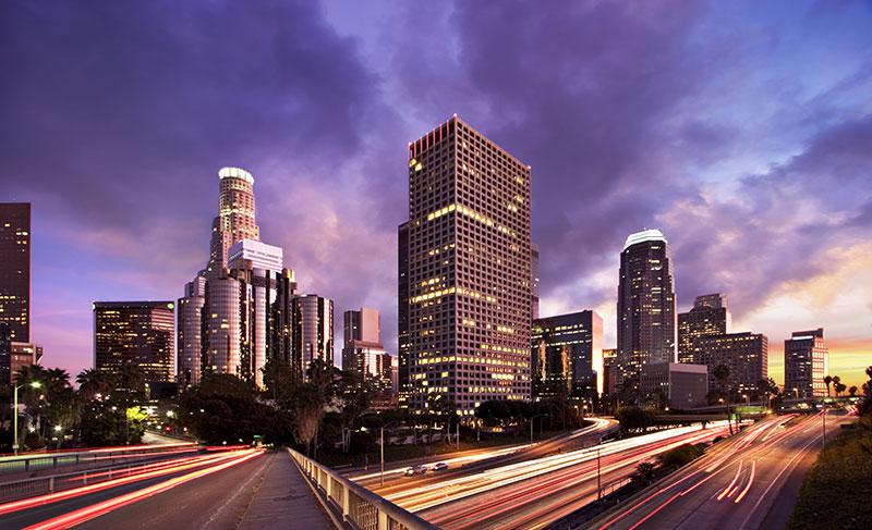 Gece Akan Trafik Isiklari Gokdelenler Los Angeles Duvar Kagidi