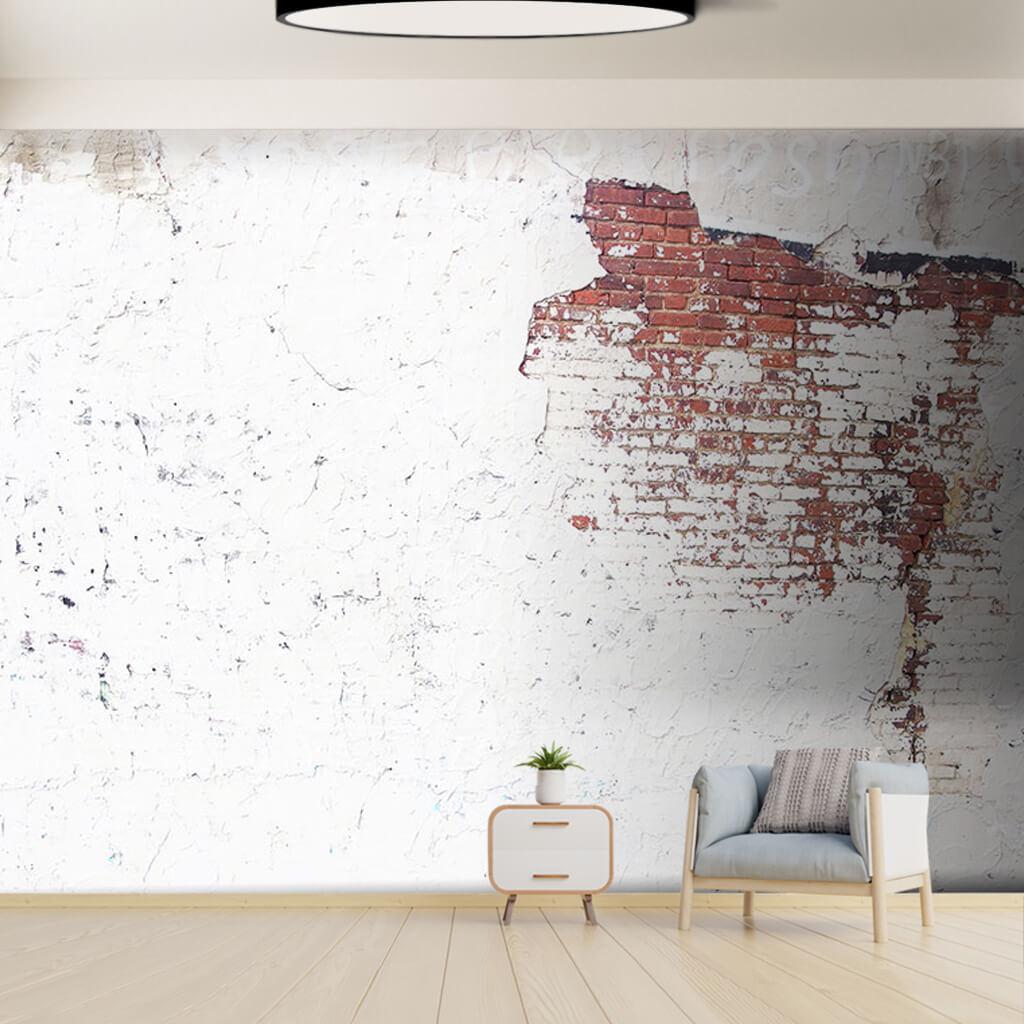 Tuğla örme duvarda beyaz boya ve sıva duvar kağıdı