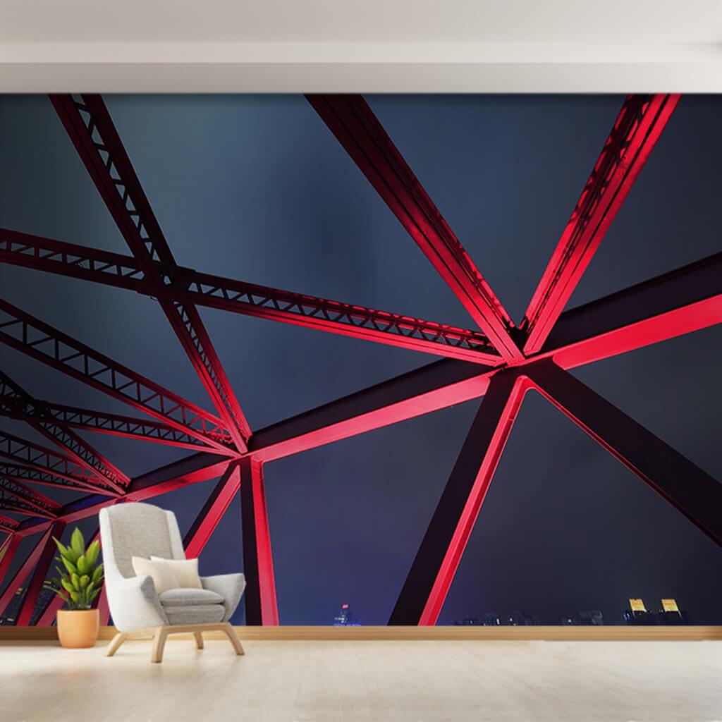 Gece kırmızı ışık vurmuş çelik köprü detayı duvar kağıdı