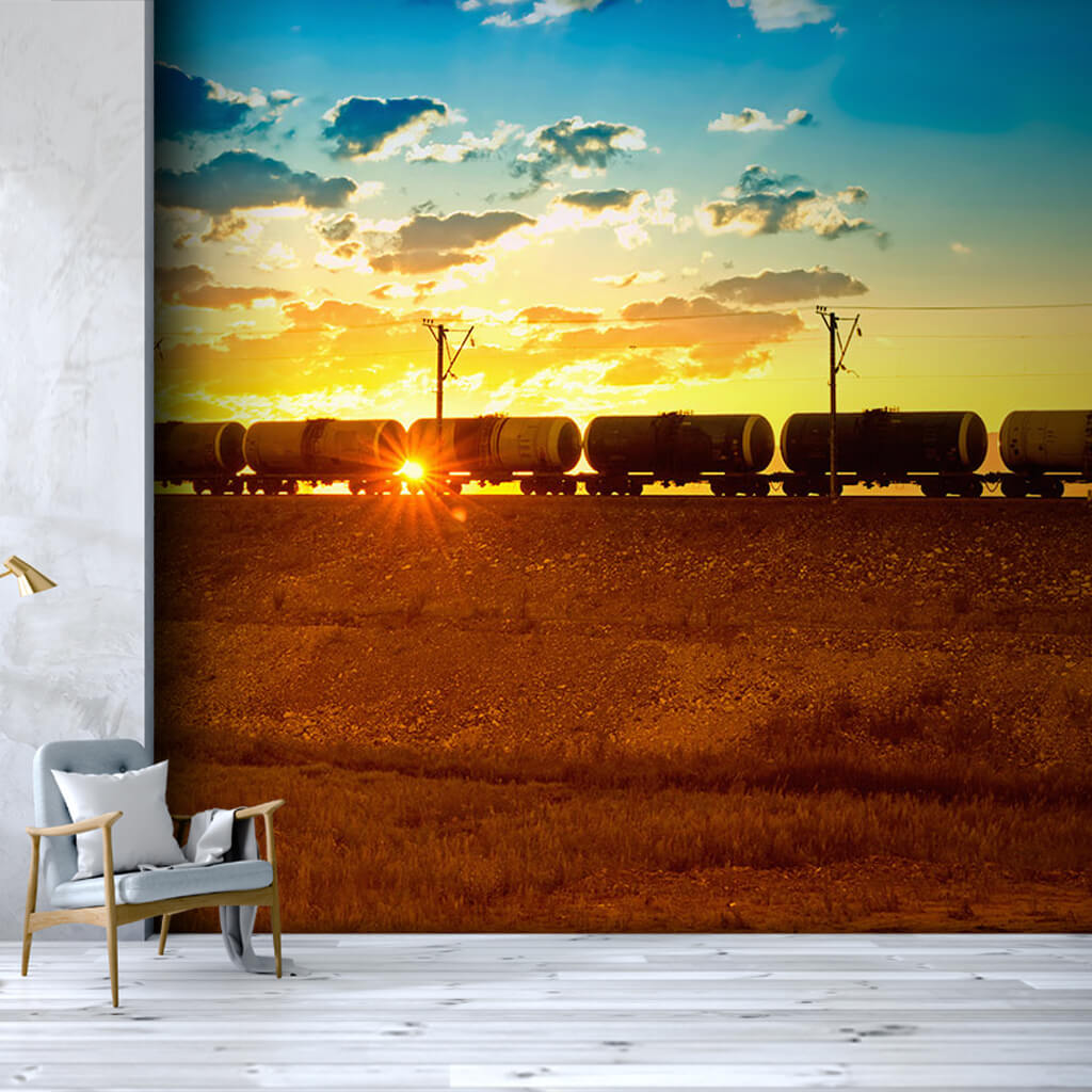 Gün batımında yük treni vagonları petrol katarı duvar kağıdı