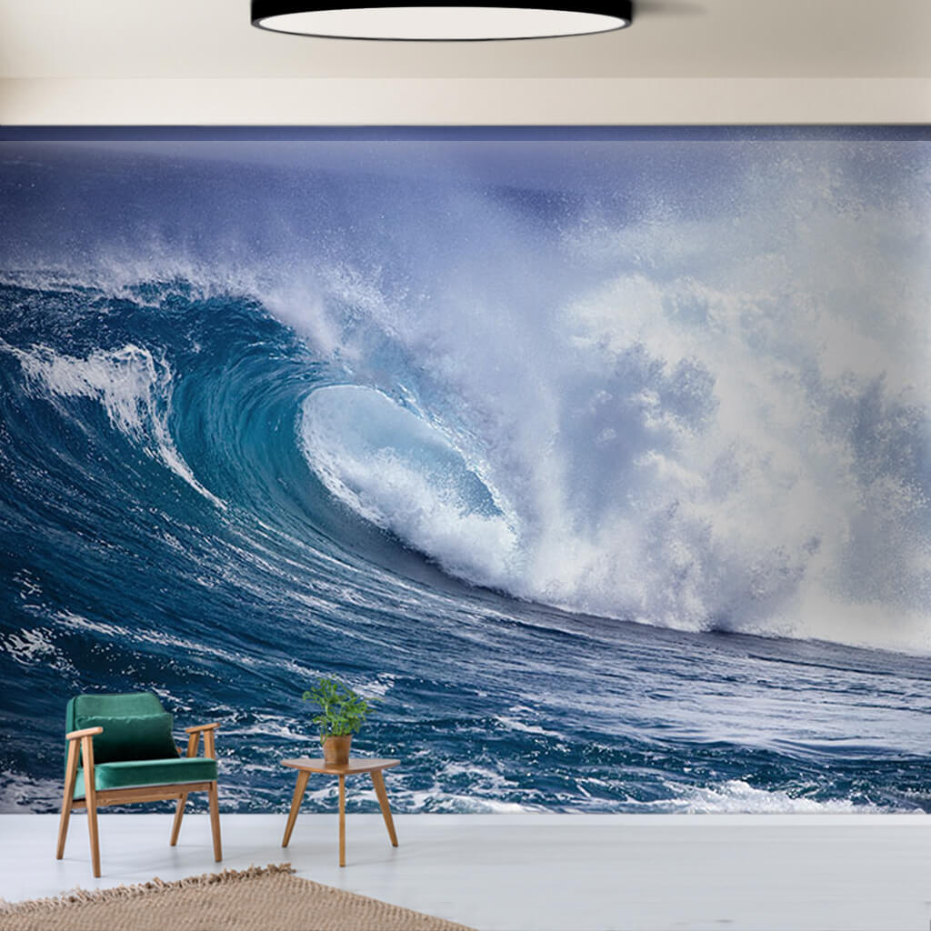 Beyaz köpüklü azgın büyük deniz dalgası tsunami duvar kağıdı