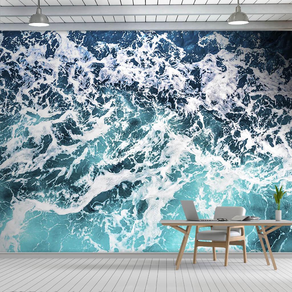 Beyaz köpüklü okyanus deniz dalgası üstten duvar kağıdı