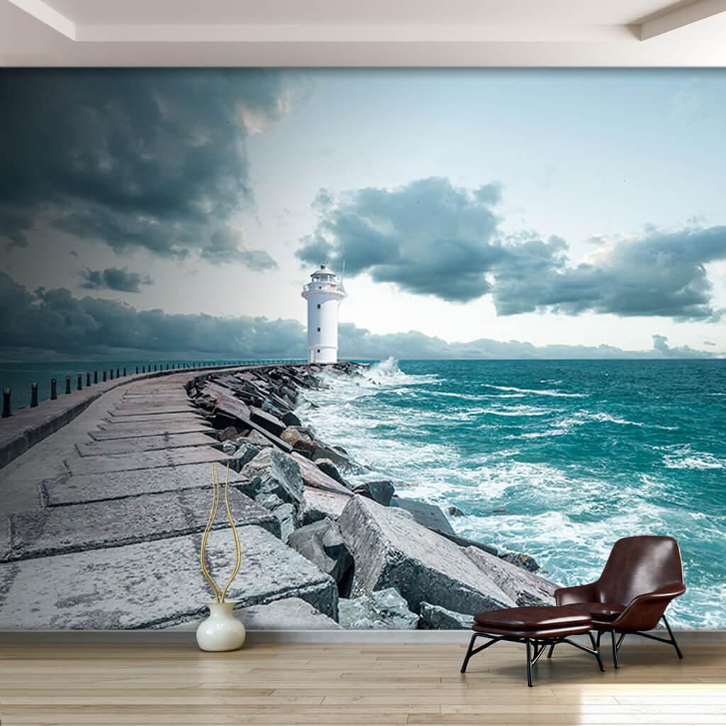 Dalgakıran mendirek ve beyaz deniz feneri duvar kağıdı