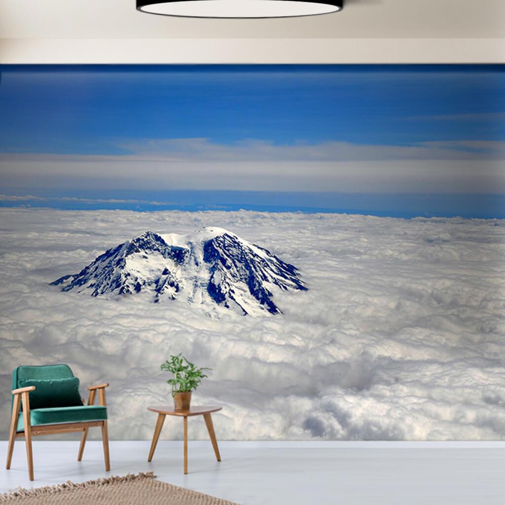 Bulutlar üzerindeki zirvesiyle Rainier Dağı ABD duvar kağıdı