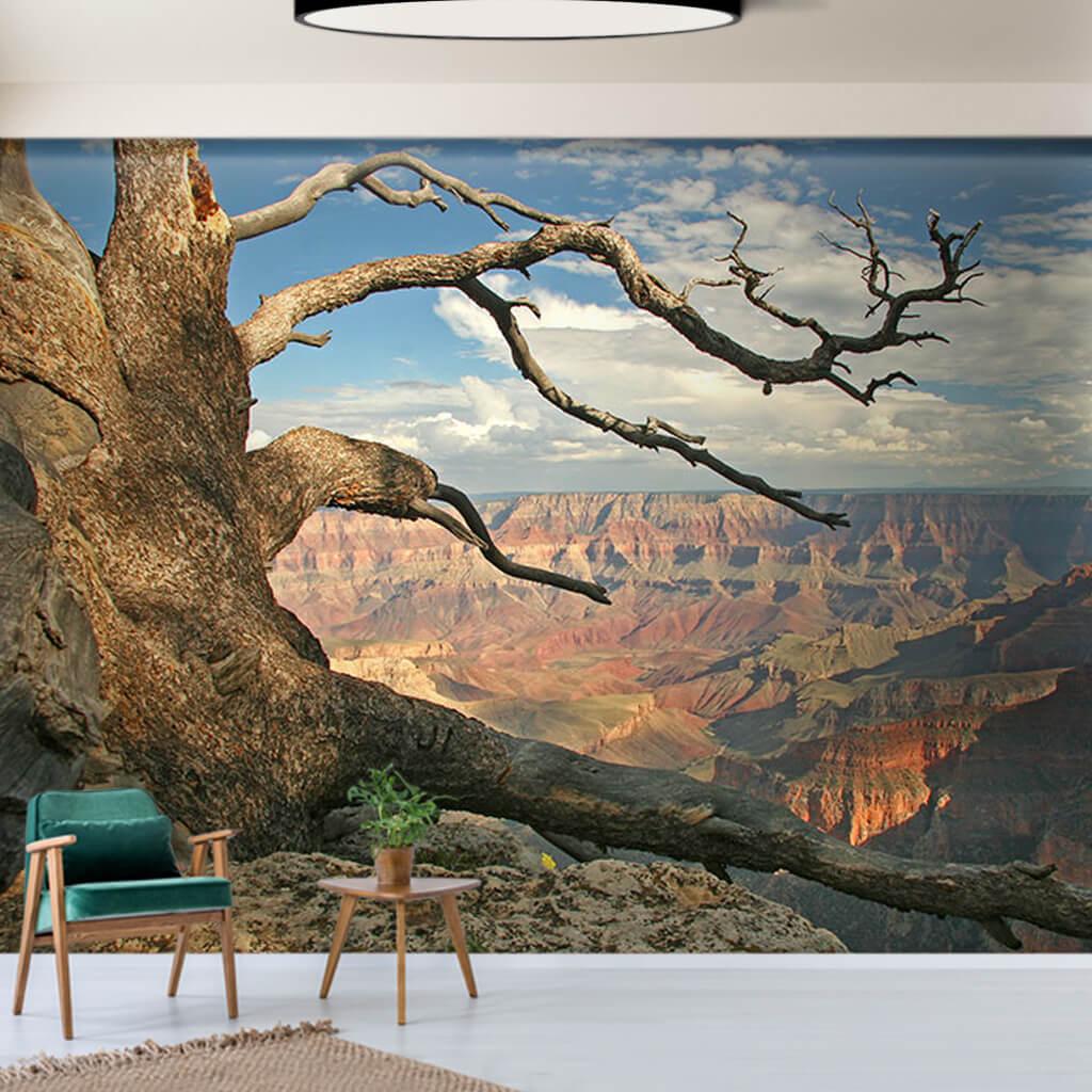 Büyük Kanyon manzarası ve kurumuş ağaç duvar kağıdı